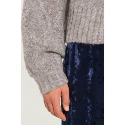 Swetry klasyczne damskie: Moves JORLA Sweter light grey mel