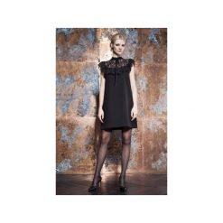 Sukienka trapezowa z koronkową falbanką. Czarne sukienki koronkowe JO-LI, na imprezę, m, w koronkowe wzory, z falbankami, trapezowe. Za 520,00 zł.