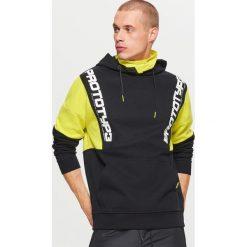 Bluza kangurka FUTURISTIC YOUTH - Czarny. Czarne bluzy męskie marki Cropp, l. Za 129,99 zł.