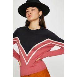 Only - Sweter Holli. Szare swetry klasyczne damskie ONLY, l, z dzianiny, z okrągłym kołnierzem. Za 119,90 zł.