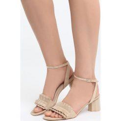 Beżowe Sandały That's Crazy. Brązowe sandały damskie na słupku marki Born2be, z materiału, na wysokim obcasie. Za 69,99 zł.
