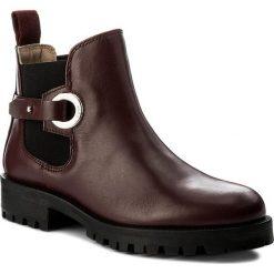 Sztyblety BOSS - Madie 50376668 10191370 01 Dark Red 603. Czerwone buty zimowe damskie Boss, ze skóry, na obcasie. W wyprzedaży za 889,00 zł.