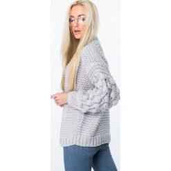 Sweter z półgolfem jasnoszary MISC4150. Szare swetry klasyczne damskie marki Fasardi. Za 149,00 zł.