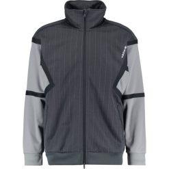 Adidas Originals TRAINING Bluza rozpinana dark grey. Szare bluzy męskie rozpinane marki adidas Originals, na co dzień, z nadrukiem, z bawełny, casualowe, z okrągłym kołnierzem, proste. Za 359,00 zł.