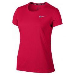 Nike Koszulka Do Biegania W Nk Brthe Rapid Top Ss Red L. Czerwone bluzki sportowe damskie marki Nike, l, z klasycznym kołnierzykiem. W wyprzedaży za 79,00 zł.