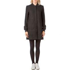 Płaszcze damskie pastelowe: Półdługi płaszcz 30% wełny