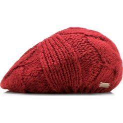 85-HF-020-3 Czapka damska. Czerwone czapki zimowe damskie marki Wittchen, na zimę, z dzianiny. Za 39,00 zł.