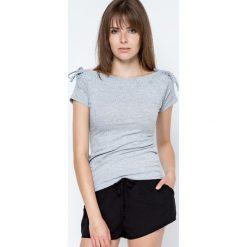 Bluzki damskie: Bluzka w prążki zdobiona wiązaniami na ramionach szara