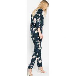 Pepe Jeans - Kombinezon Milas. Różowe kombinezony damskie marki Pepe Jeans, z gumy, na sznurówki. W wyprzedaży za 269,90 zł.