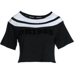 Hunkemöller DK TOP Tshirt z nadrukiem black. Czarne topy sportowe damskie Hunkemöller, l, z nadrukiem, z bawełny. Za 129,00 zł.