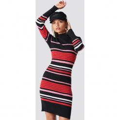 Trendyol Sukienka dzianinowa w paski - Multicolor. Szare sukienki dzianinowe marki Trendyol, w paski, z golfem, midi, bodycon. Za 121,95 zł.