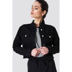 NA-KD Trend Krótka kurtka jeansowa - Black. Czarne bomberki damskie NA-KD Trend, z denimu. Za 202,95 zł.