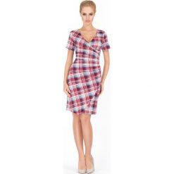 Sukienki: Sukienka w Kratę z Głębokim Dekoltem Wzór 1