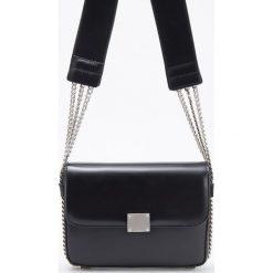 Torebka z ozdobnymi łańcuszkami - Czarny. Czarne torebki klasyczne damskie Reserved. Za 119,99 zł.