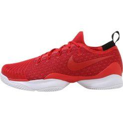 Nike Performance MEN AIR ZOOM ULTRA REACT HC Obuwie do tenisa Outdoor university red/gym red/black/white. Czerwone buty do tenisa męskie Nike Performance, z materiału. W wyprzedaży za 440,30 zł.