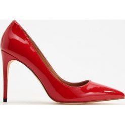 Czółenka na wysokim obcasie - Czerwony. Czerwone buty ślubne damskie Reserved, na wysokim obcasie. Za 139,99 zł.