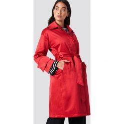 NA-KD Błyszczący płaszcz - Red. Czerwone płaszcze damskie NA-KD, w paski. Za 283,95 zł.