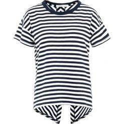 Rag & bone CATSPLIT BACK TEE Tshirt z nadrukiem white/navy. Niebieskie t-shirty damskie rag & bone, m, z nadrukiem, z bawełny. Za 569,00 zł.