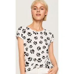 T-shirt we wzory - Kremowy. Białe t-shirty damskie marki Adidas, m. Za 39,99 zł.