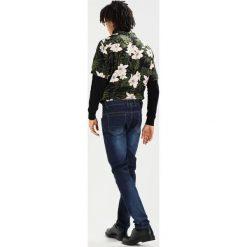 LOYALTY & FAITH BEATTIE Jeansy Slim Fit dark wash. Niebieskie rurki męskie marki Tiffosi. Za 129,00 zł.