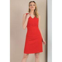Sukienki: Elegancka sukienka z marszczeniami