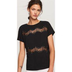 T-shirt z koronkowymi pasami - Czarny. Czarne t-shirty damskie Reserved, l, z koronki. Za 59,99 zł.