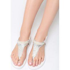 Białe Sandały Secret Universe. Białe sandały trekkingowe damskie marki Born2be, z materiału, na obcasie. Za 69,99 zł.