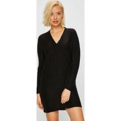 Jacqueline de Yong - Sukienka. Czarne sukienki dzianinowe marki Jacqueline de Yong, na co dzień, l, casualowe, mini, proste. Za 119,90 zł.