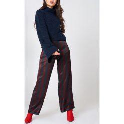 Swetry oversize damskie: NA-KD Dzianinowy sweter z golfem i szerokim rękawem - Navy