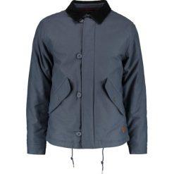 Brixton APEX Kurtka przejściowa steel blue. Niebieskie kurtki męskie przejściowe Brixton, l, z bawełny. W wyprzedaży za 467,35 zł.