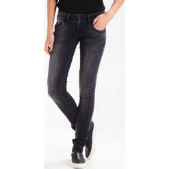 LTB MOLLY Jeansy Slim Fit vista black. Czarne jeansy damskie marki LTB, z bawełny. W wyprzedaży za 209,25 zł.