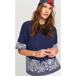 T-shirt z kwiatowym motywem - Granatowy. Niebieskie t-shirty damskie Reserved, l. Za 59,99 zł.