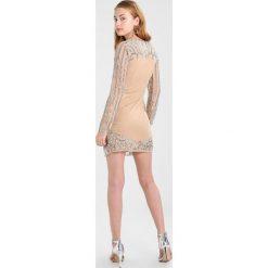 Maya Deluxe LONG SLEEVE WRAP MINI DRESS  Sukienka koktajlowa nude and silver. Szare sukienki koktajlowe Maya Deluxe, z materiału, mini. W wyprzedaży za 343,85 zł.