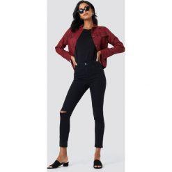 Spodnie damskie: NA-KD Rurki z rozdarciami na kolanach i wysokim stanem – Black