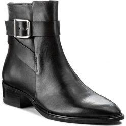 Botki VAGABOND - Meja 4408-101-20 Black. Czarne botki damskie na obcasie marki Vagabond, z materiału. W wyprzedaży za 349,00 zł.