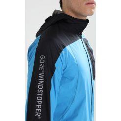 Gore Wear R7 WINDSTOPPER LIGHT Kurtka do biegania dynamic cyan/black. Niebieskie kurtki do biegania męskie Gore Wear, m, z materiału, windstopper. Za 839,00 zł.