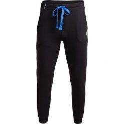 Spodnie dresowe męskie SPMD600 - czarny - Outhorn. Czarne spodnie dresowe męskie Outhorn, na lato, z dresówki. W wyprzedaży za 49,99 zł.