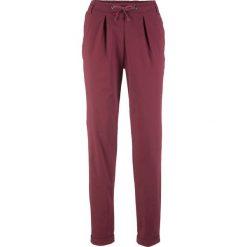 Spodnie chino bonprix czerwony klonowy. Czerwone chinosy damskie bonprix. Za 109,99 zł.