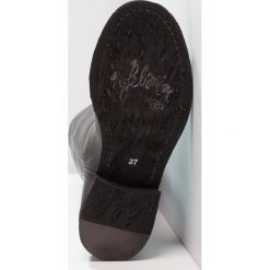 Felmini HARDY Kowbojki i obuwie motocyklowe black. Czarne buty zimowe damskie marki Felmini, z materiału. Za 719,00 zł.