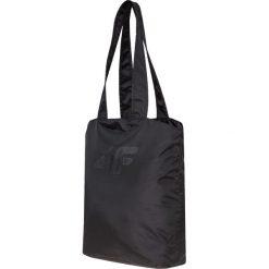 Torba plażowa TPL001 - głęboka czerń. Czarne torby plażowe marki 4f, z materiału. Za 39,99 zł.