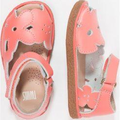 Camper TWINS Sandały medium pink. Czerwone sandały chłopięce Camper, z materiału. Za 229,00 zł.