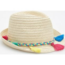 Kapelusze damskie: Pleciony kapelusz z chwostami - Beżowy