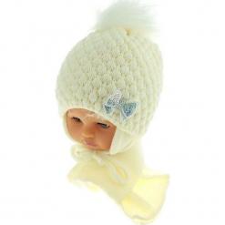 Czapka niemowlęca z szalikiem CZ+S 123D. Białe czapeczki niemowlęce Proman. Za 42,82 zł.
