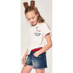 Jeansowe szorty z aplikacją - Granatowy. Czarne szorty damskie z printem marki bonprix. W wyprzedaży za 49,99 zł.