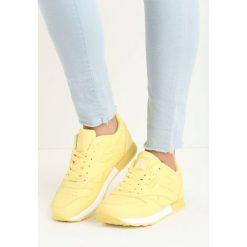 Żółte Buty Sportowe Myron. Żółte buty sportowe damskie marki Kazar, ze skóry, na wysokim obcasie, na obcasie. Za 79,99 zł.