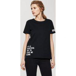 T-shirt z napisami - Czarny. Czerwone t-shirty męskie marki House, l, z napisami. Za 39,99 zł.