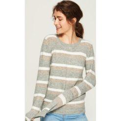 Sweter w paski - Wielobarwn. Szare swetry klasyczne damskie marki Sinsay, l. Za 49,99 zł.