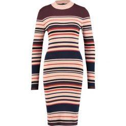 Sukienki dzianinowe: YAS YASMILAN  Sukienka dzianinowa night skystripes:multi colour stripe