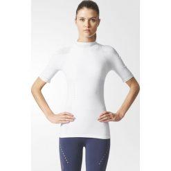 KOSZULKA - KR.REKAW WHITE WRPKNT TEE SLIM. Białe bluzki z odkrytymi ramionami Adidas, z elastanu. Za 136,99 zł.