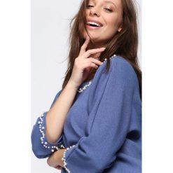 Niebieska Bluzka Beating Heart. Niebieskie bluzki asymetryczne Born2be, l, z długim rękawem. Za 89,99 zł.